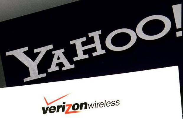 Frustrated Yahoo users vent on Twitter after e-mail outage