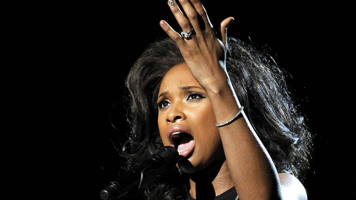 Jennifer Hudson performs I Will Always Love You as a tribute to the late Whitney Houston.