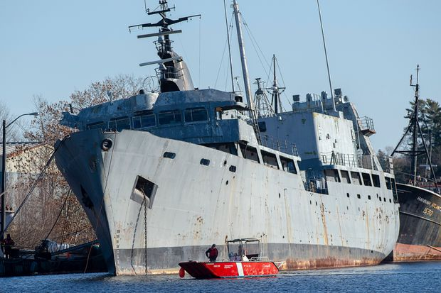 Coast guard begins work to secure derelict navy ship that poses environmental risk to N.S. river