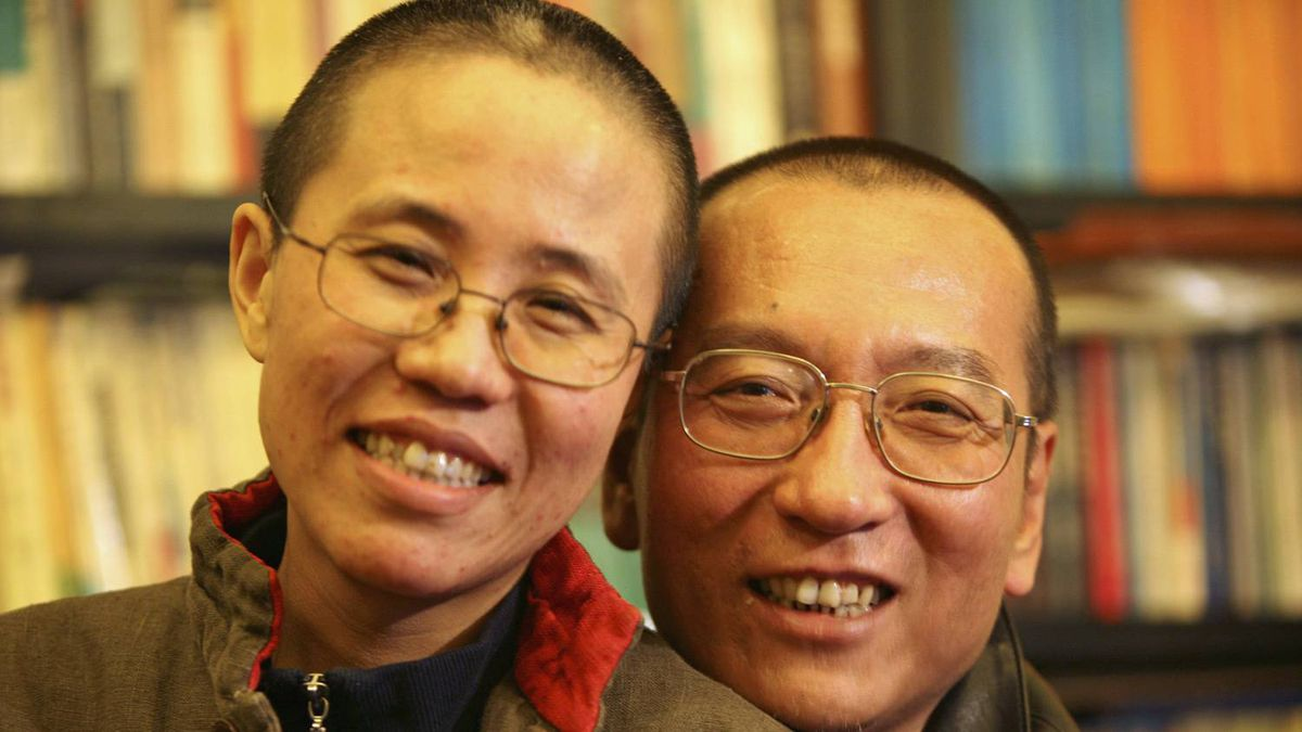 Chinese dissident Liu Xiaobo and his wife, Liu Xia, pose in this undated photo released by his family on Oct. 3, 2010.