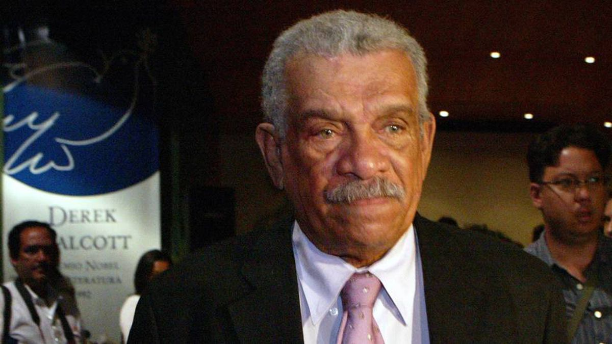 Nobel Prize winning poet Derek Walcott is pictured after a press conference in Caracas 10 May 2007.
