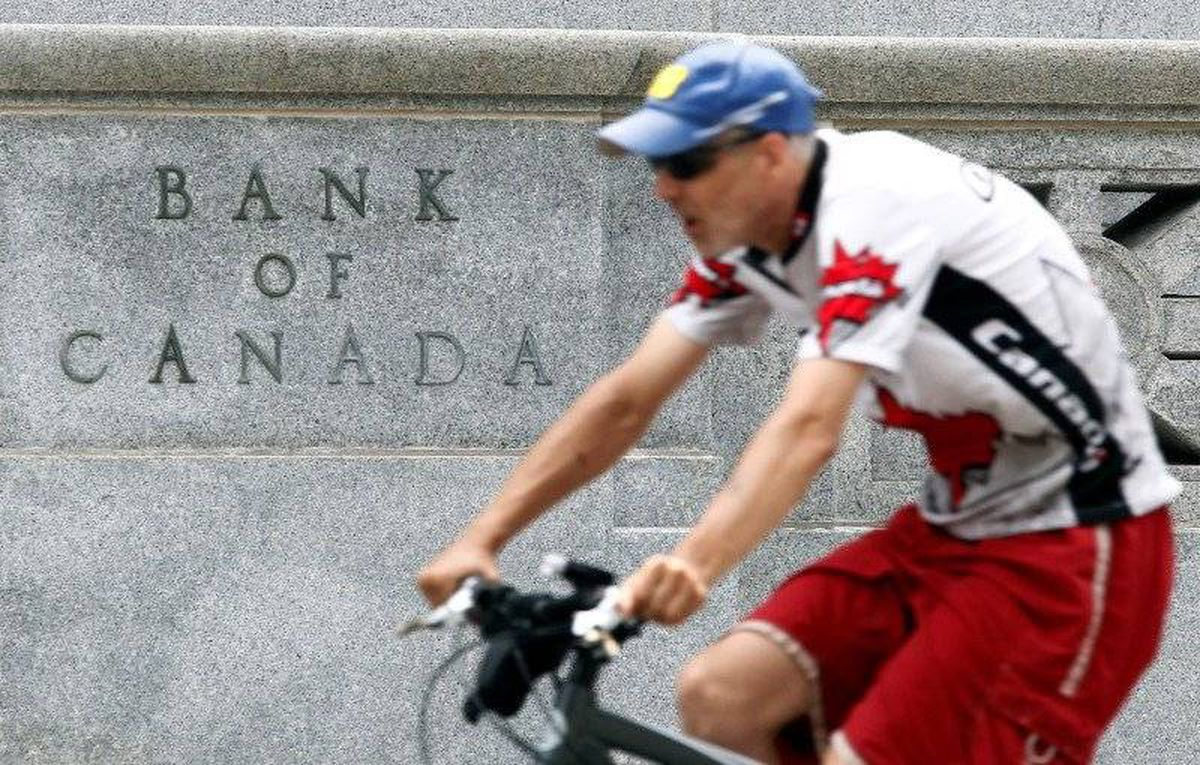 canadas looming fiscal squeeze View notes - 219 -- looming fiscal squeeze v2 from econ 219 at mcgill canadas looming fiscal squeeze christopher ragan1 mcgill university first draft: september 12, 2011 final draft: october 3,.
