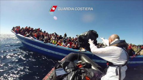 Italy rescues nearly 1,000 migrants from boats in the Mediterranean