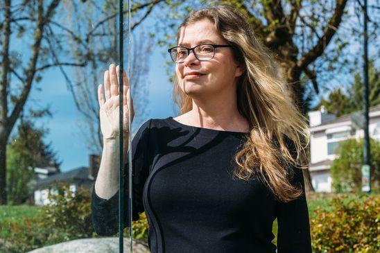 'A novel in warnings': Anakana Schofield's novel Bina addresses modern questions surrounding friendship and death