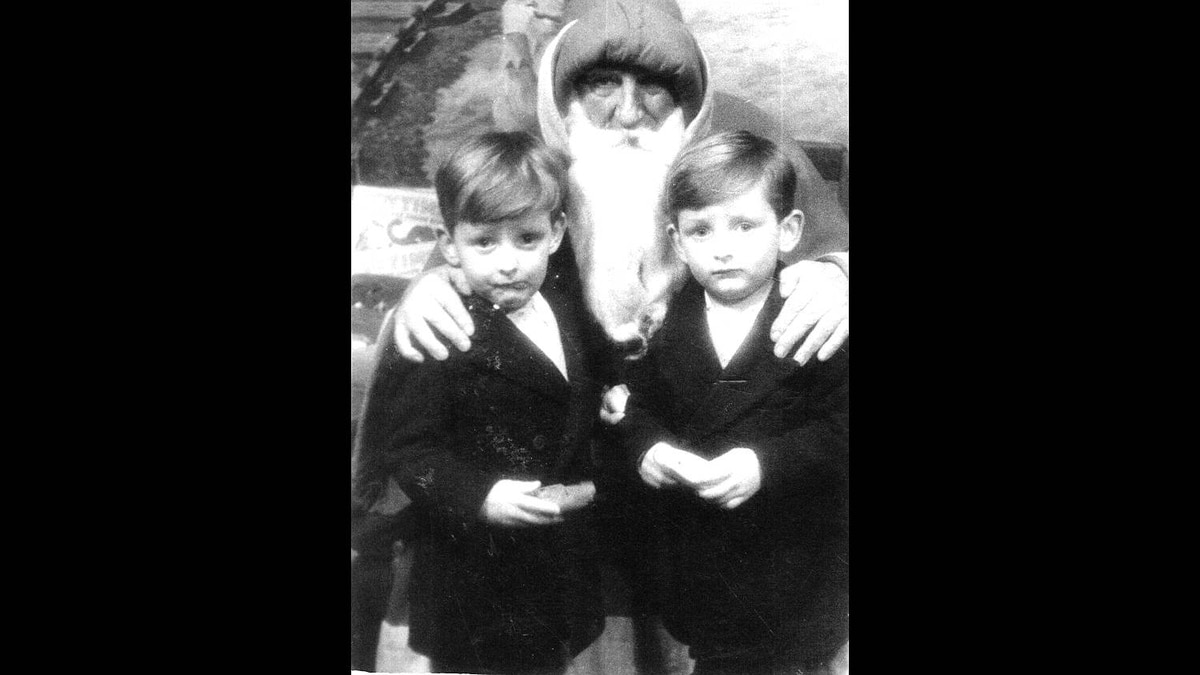 Darryl T. Gwynne photo: The Gwynne twins with Father Christmas circa 1954 - My brother David (on left with the worried look on his face) and me with Father Christmas in central Bristol, England circa 1954