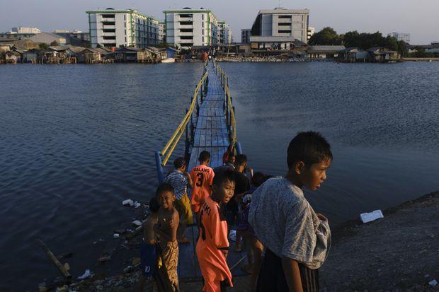 Opinion: That sinking feeling: As rising sea levels threaten
