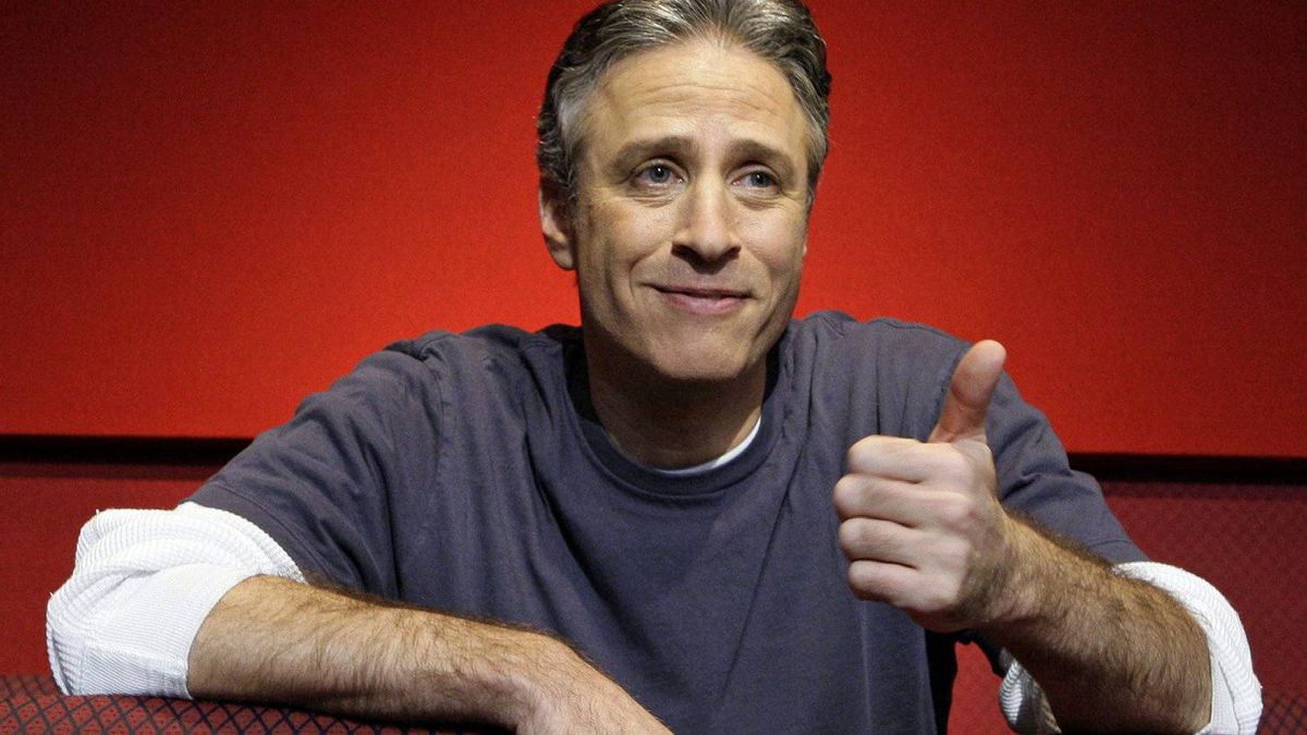 U.S. comedia Jon Stewart poses for a photo at the Kodak Theater in Los Angeles ahead of his appearance as Oscar host on Feb. 20, 2008.