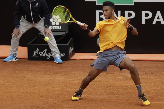 Auger-Aliassime set for Paire showdown in Lyon final