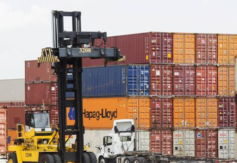 U.S. trade balance edges higher in July