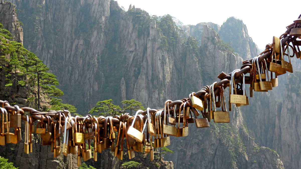 Engraved locks are sealed to the fate of the Yellow Mountain in Eastern China Eastern China Yellow Mountains