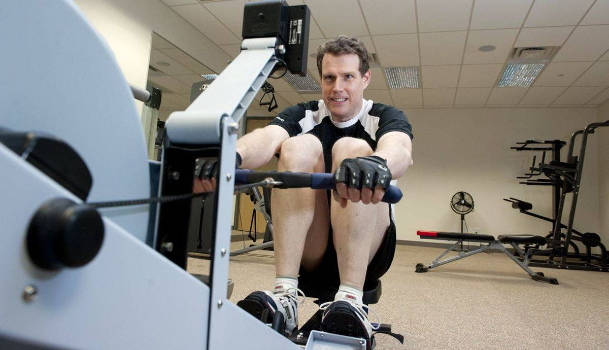 Steven Dengler, CEO and co-founder of XE.com, works out at the company gym in Newmarket, Ont.