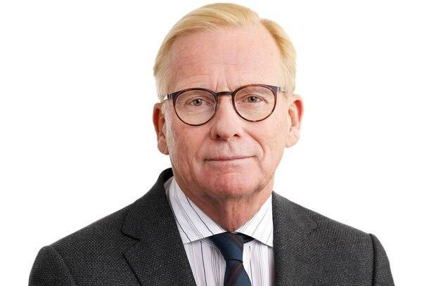 Robert Fife