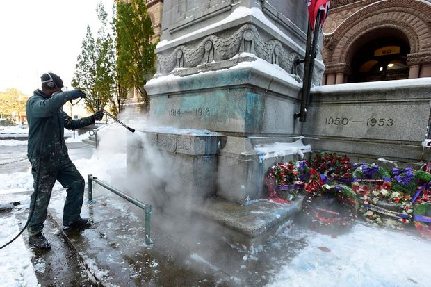 Mischief-related charges laid against Toronto man in cenotaph vandalism case