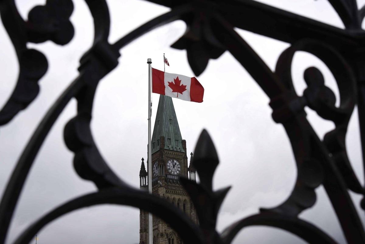 THE CANADIAN PR