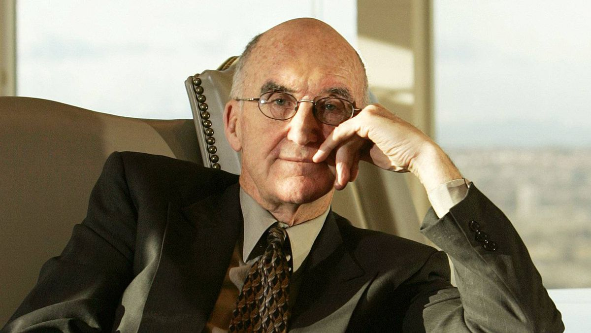 Calgary, AB - Jan 5,2006 - Jack Major, former justice of the Supreme Court, in his new Calgary, Alberta office at Bennett Jones, Wednesday January 6, 2006.