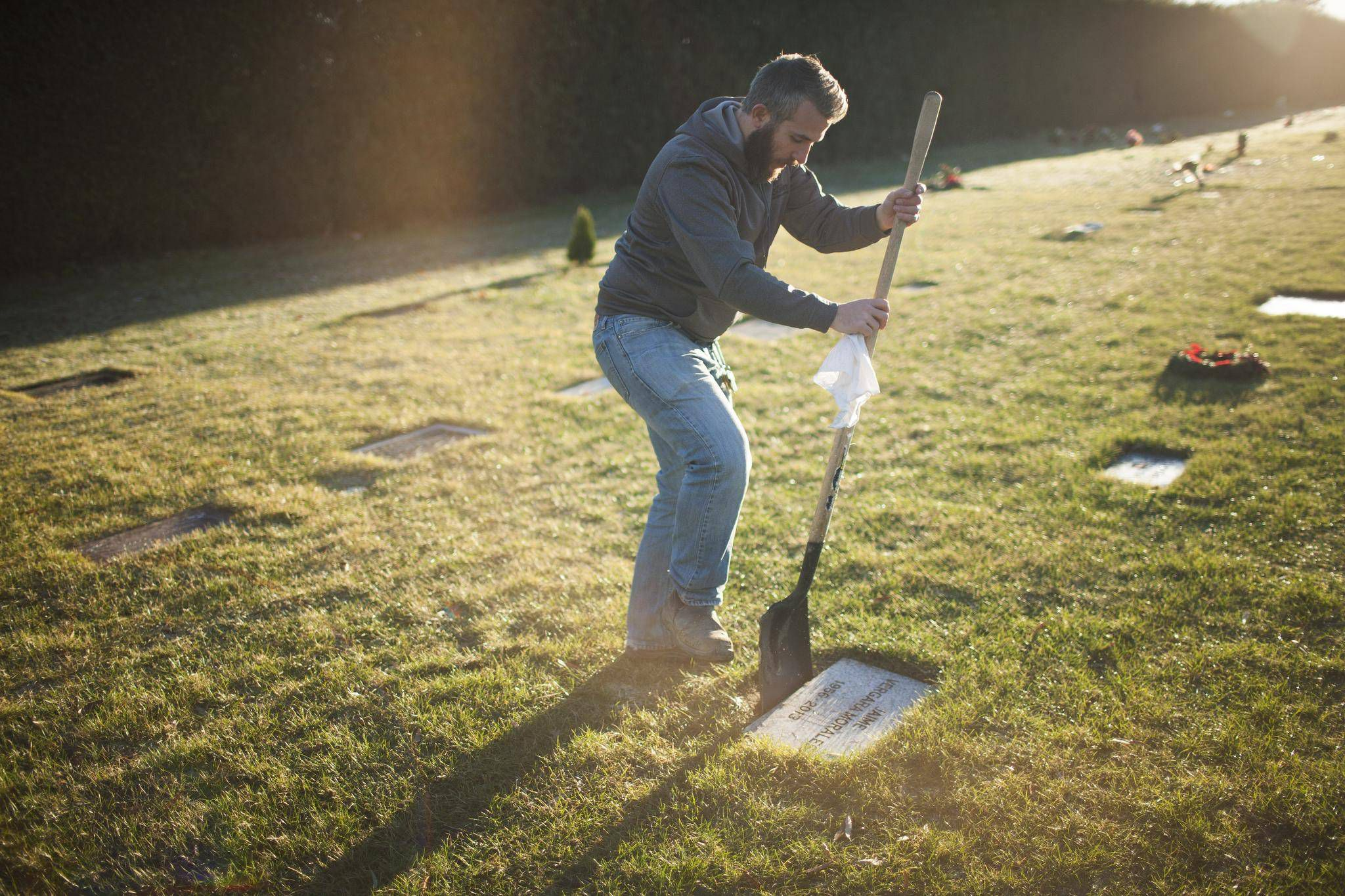 23b64efd5f Government program funds funerals for B.C. s deceased homeless - The ...