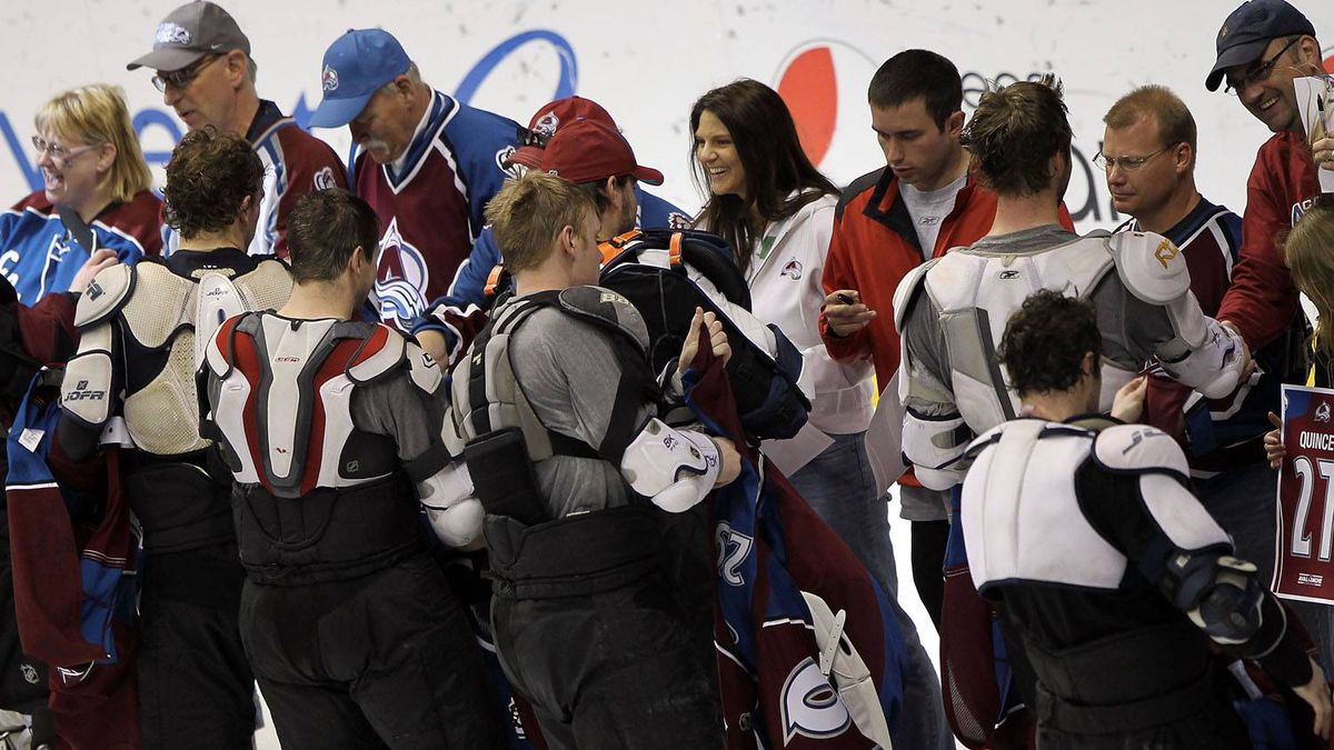 The Colorado Avalanche players give their fans 'the shirts off their backs' on fan appreciation day after facing the Los Angeles Kings in the final regular season game of the year at the Pepsi Center on April 11, 2010 in Denver, Colorado. The Kings defeated the Avalanche 2-1 in overtime. (Photo by Doug Pensinger/Getty Images)