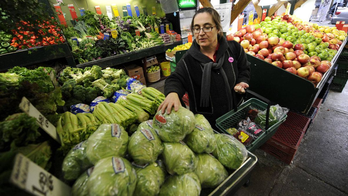 A recent report from the University of Guelph suggests retail food prices won't rise more than 2 per cent next year because of growing competition among grocery chains.