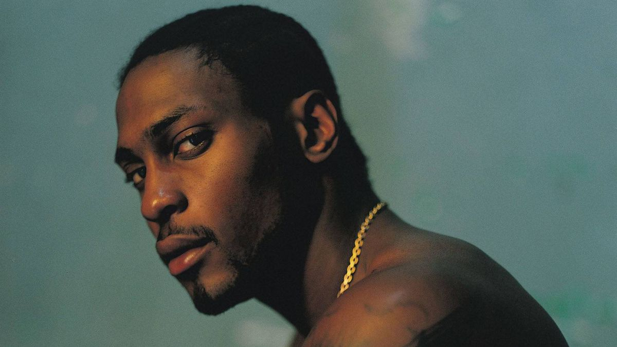 The recording artist D'Angelo.