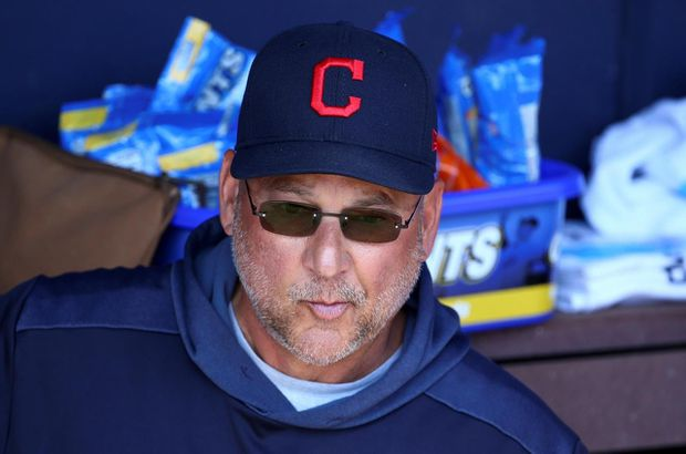 Cleveland signs manager Terry Francona to a two-year contract extension