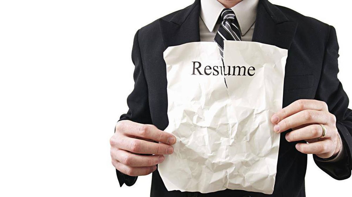 resume How To Hand In A Resume i was fired can omit that job from my the globe and mail mail