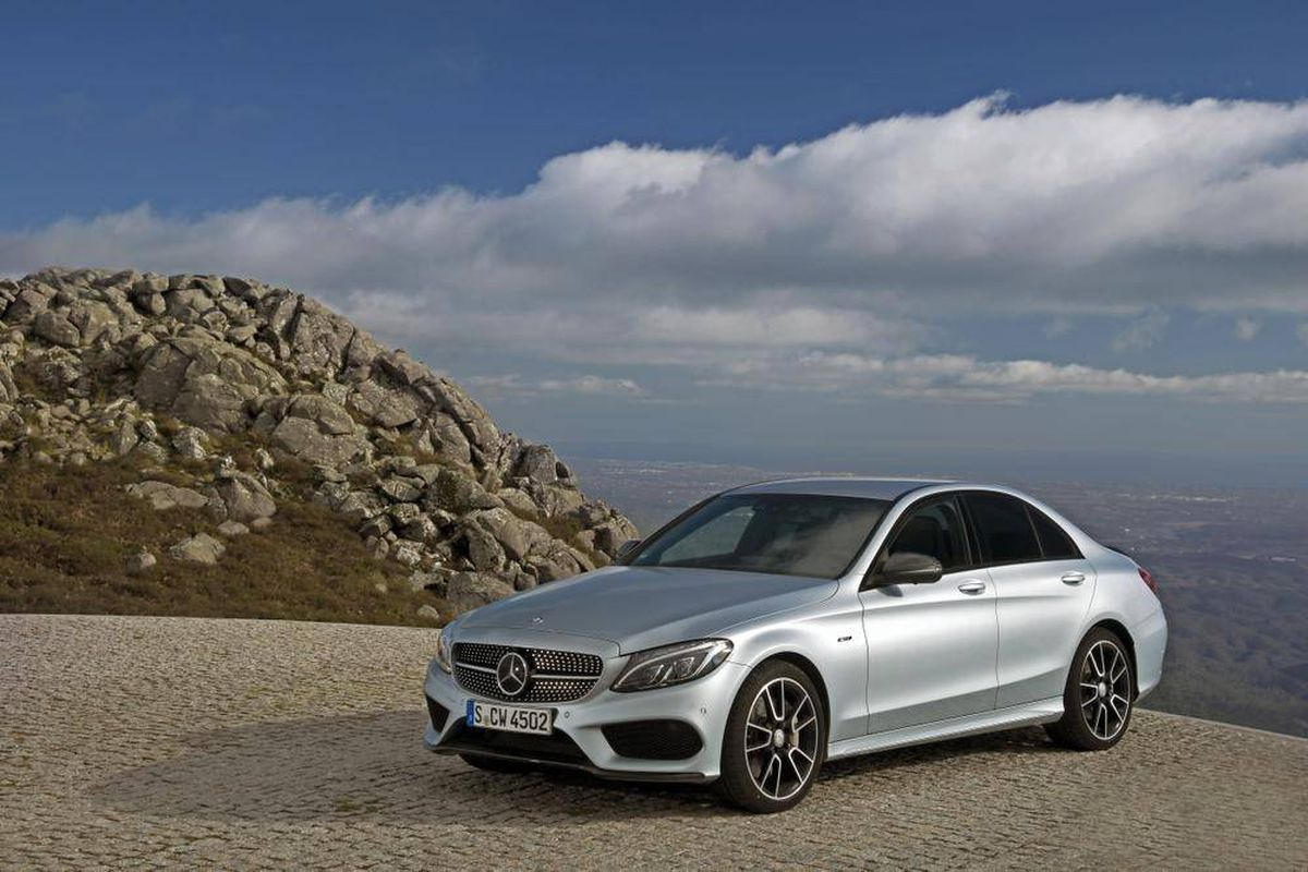 Review 2016 mercedes benz c450 amg perfect for life in for 2016 mercedes benz c63 amg 4matic