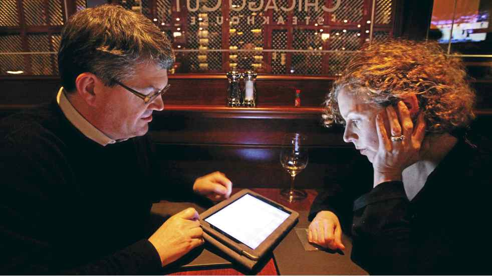 Keith and Peg Bragg find Chicago Cut?s iPad wine list helps them navigate the restaurant?s 750-plus bottles.