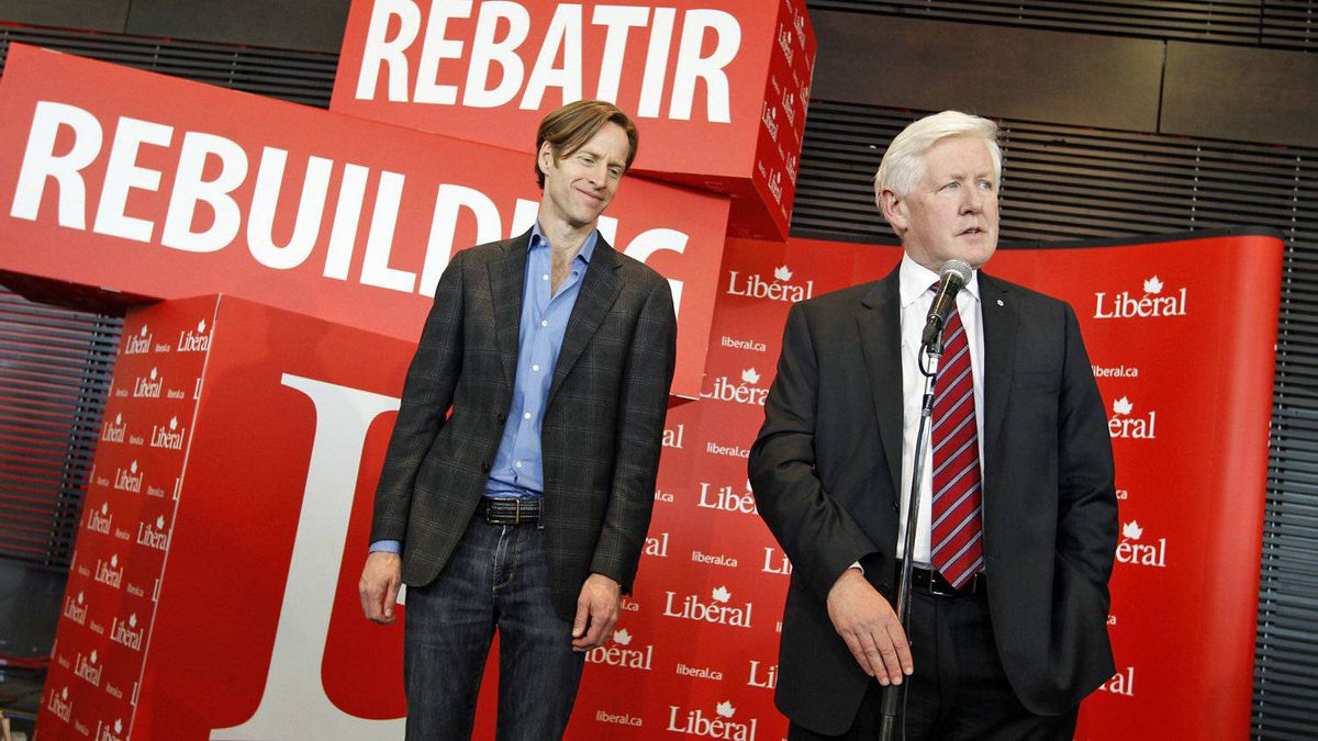 Interim Leader Bob Rae and party president Mike Crawley take questions at the Liberal policy convention in Ottawa on Jan. 15, 2012.