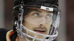 Anaheim Ducks right wing Teemu Selanne, of Finland has reached the 1,398 career points plateau. REUTERS/Mike Blake