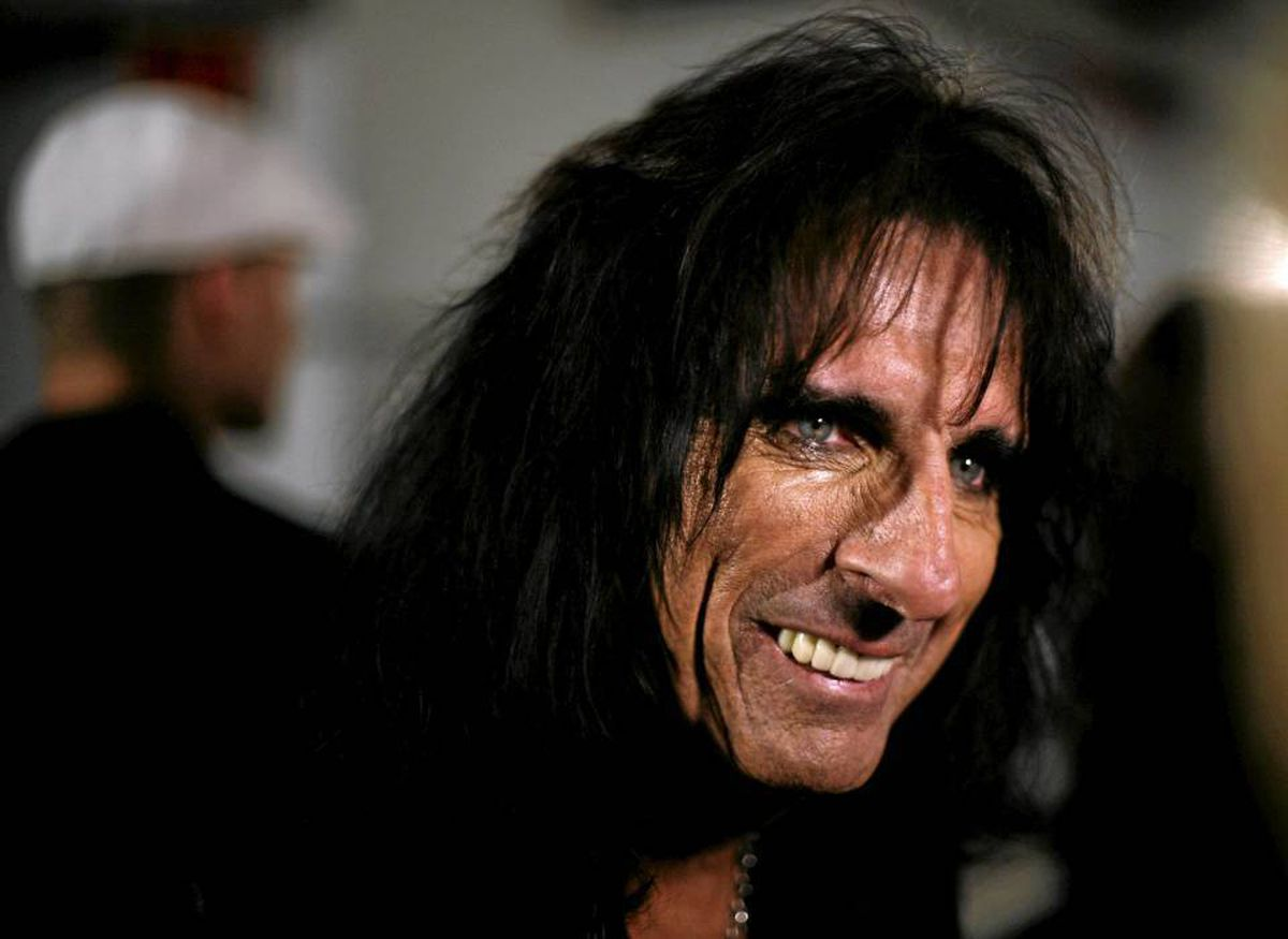 Alice Cooper says bands have to be prepared to play live.