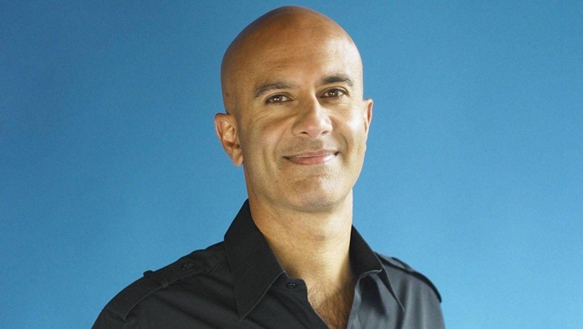 Robin Sharma, 2011.