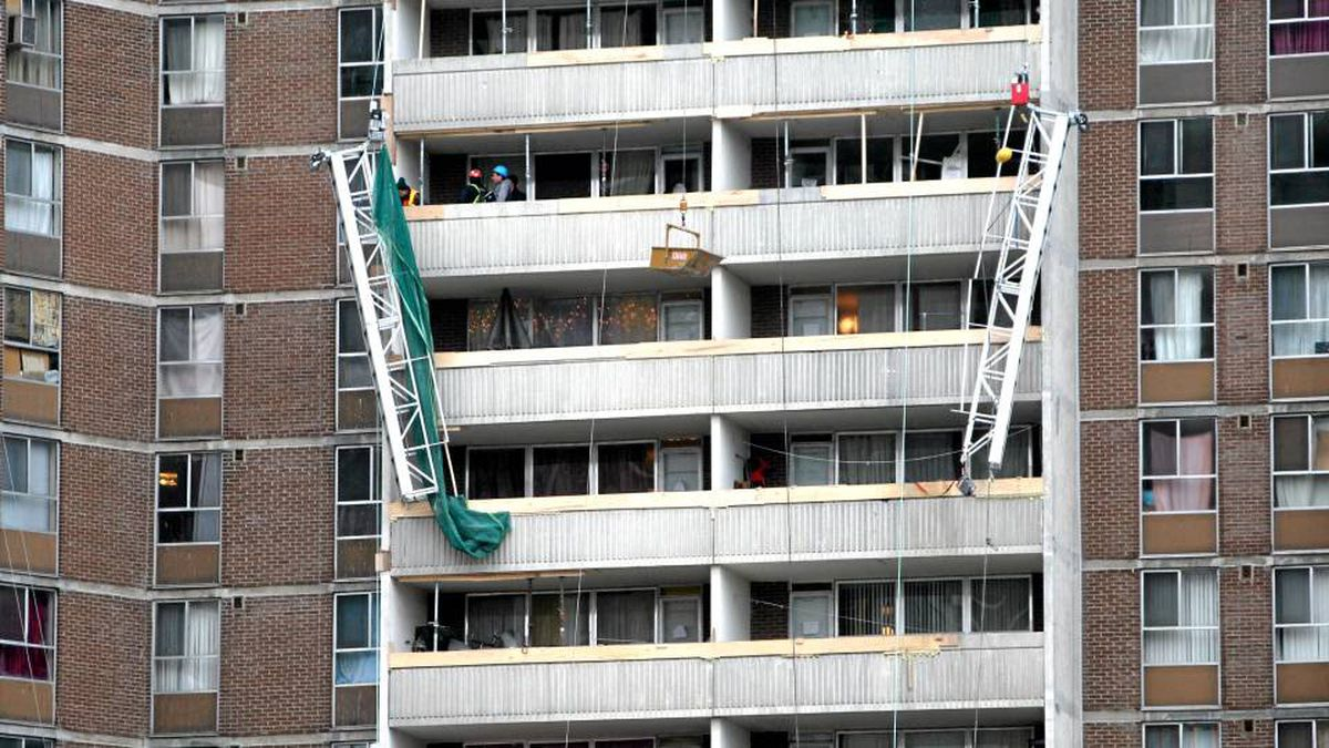The scene of the fatal platform collapse at 2757 Kipling Ave. in Toronto on Dec. 25, 2009.
