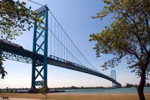Canada, U.S. reach deal for funding plaza for Detroit-Windsor bridge