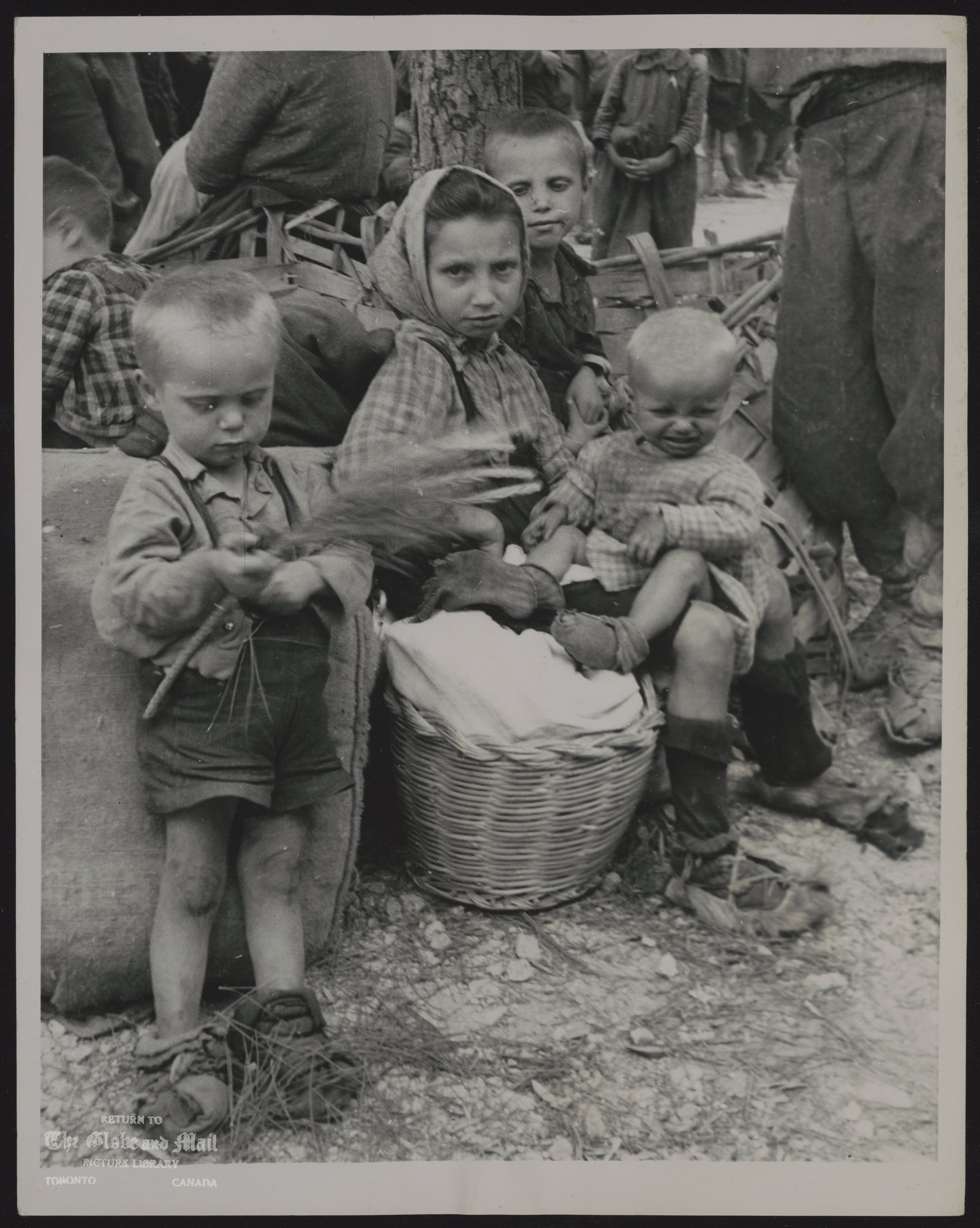 ITALY People (ONE OF A SET) THEY HAVE KNOWN WAR THESE ITALIAN CHILDREN WERE AMONG THE REFUGEES WHO HAD FLED APPROACHING COMBAT LINES AND WHO STREAMED INTO MINTURNO, ITALY AFTER THE TOWN FELL TO THE ALLIES. Associated Press Photo D-5-31-44 1pm MLG-STF 49 A LIST GO-NYW s10-SHUHER-Mon-TOR-TMC-PA-LON-MEX-BAIRES