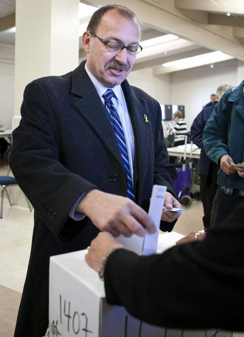 Alberta Tory leadership candidate Ric McIver outlines social policy