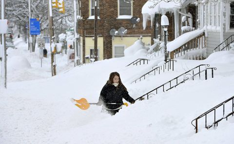 Snow emergency in USA  town after huge storm