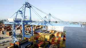 Crews load and unload consumer products at the Port of New Orleans