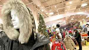Sporting Life is betting that, even in a shaky economy, its customers will continue to shell out $2,300 for a Vist parka or $530 for ski goggles with GPS.