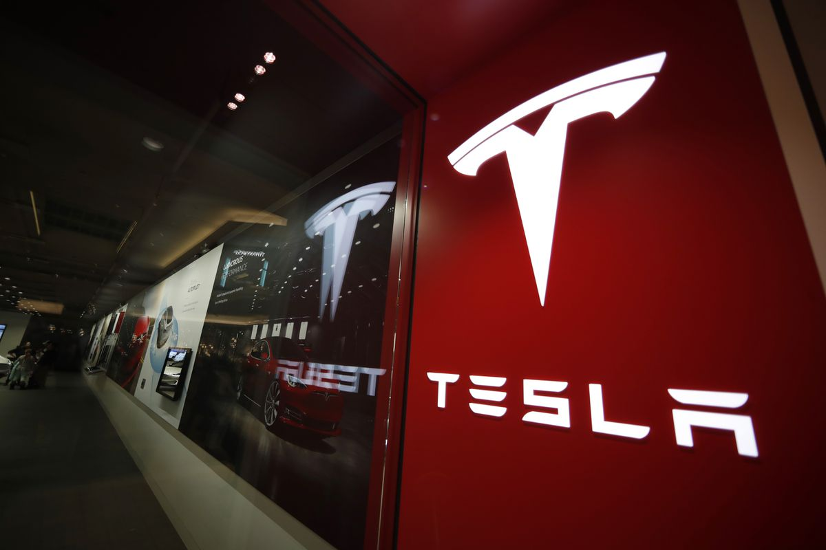 Tesla on course to make record deliveries in second quarter, leaked Musk e-mail says - The Globe and Mail thumbnail