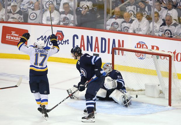Blues rally to defeat Jets in Game 5, take series lead