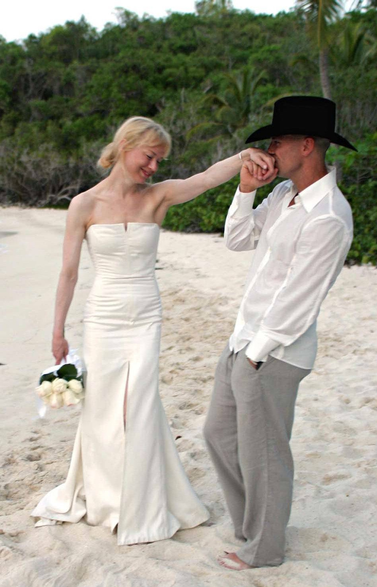 """Also clocking in a four months was the marriage of actress Renee Zellweger, and country music singer Kenny Chesney. A spokesperson for the couple said, mysteriously, """"The miscommunication of the objective of their marriage at the start is the only reason for this annulment."""""""