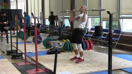 85-year-old on track to cinch weightlifting championship