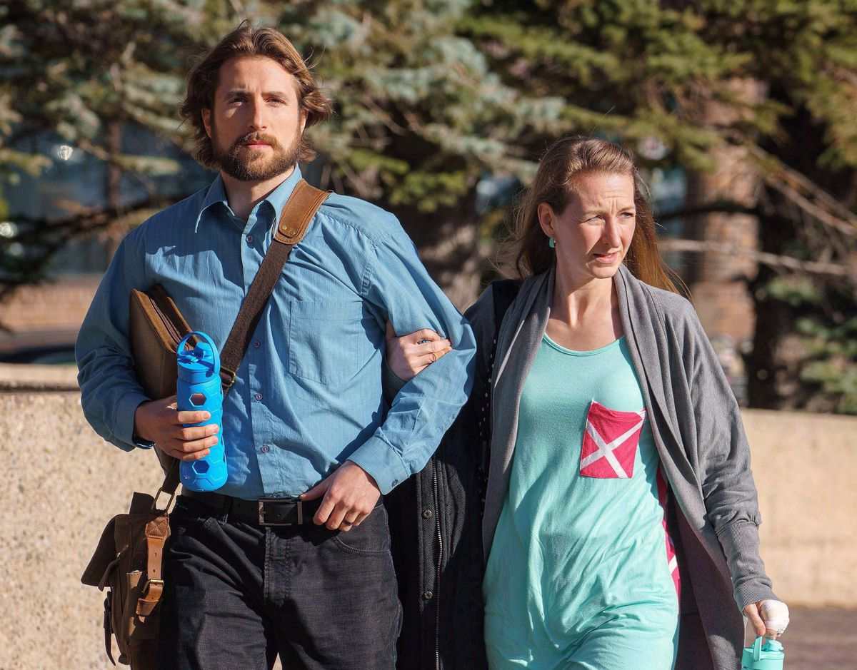 Supreme Court orders new trial for Alberta parents of boy who died of meningitis