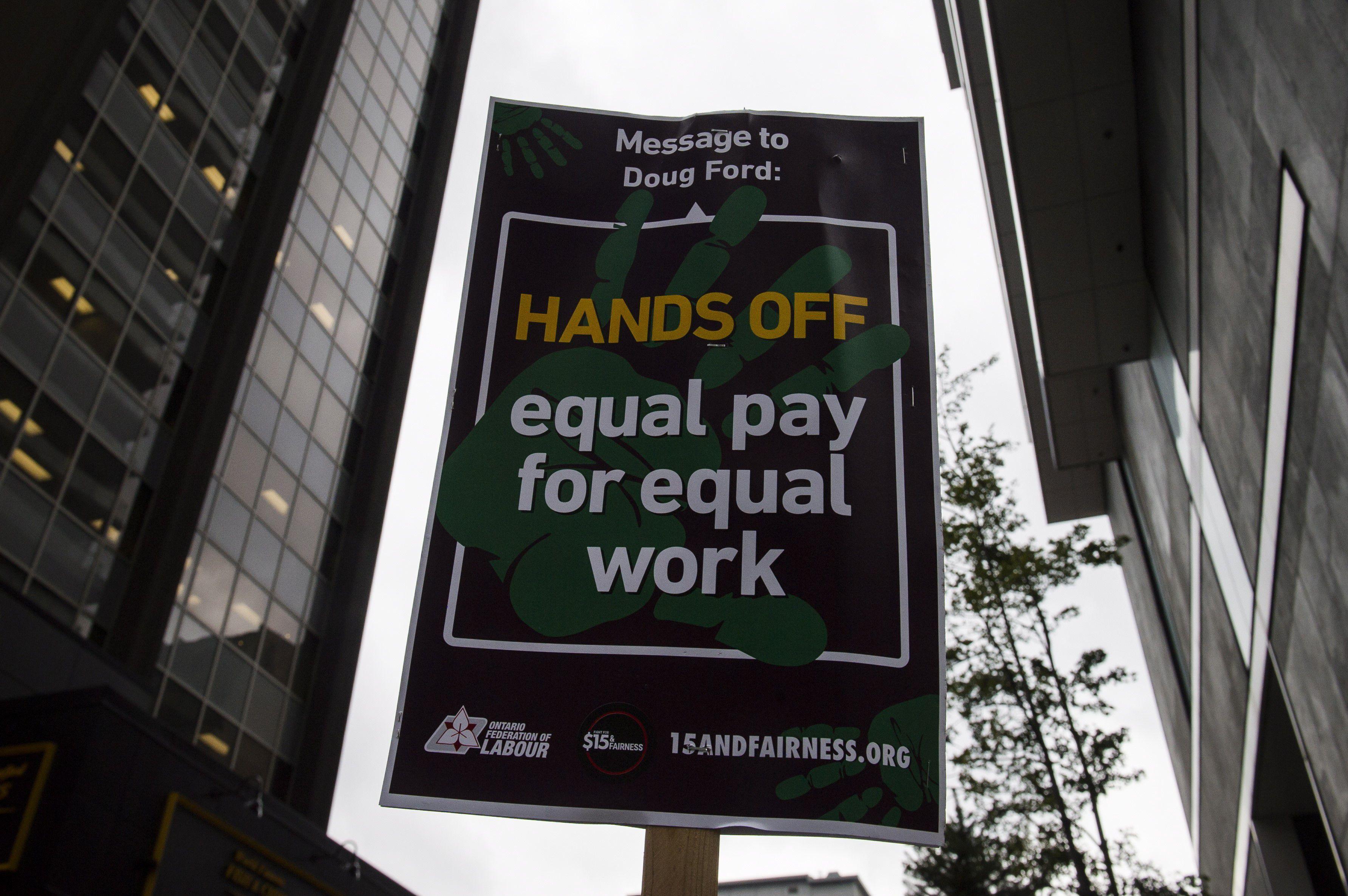 Ontario to freeze minimum wage, eliminate mandatory paid