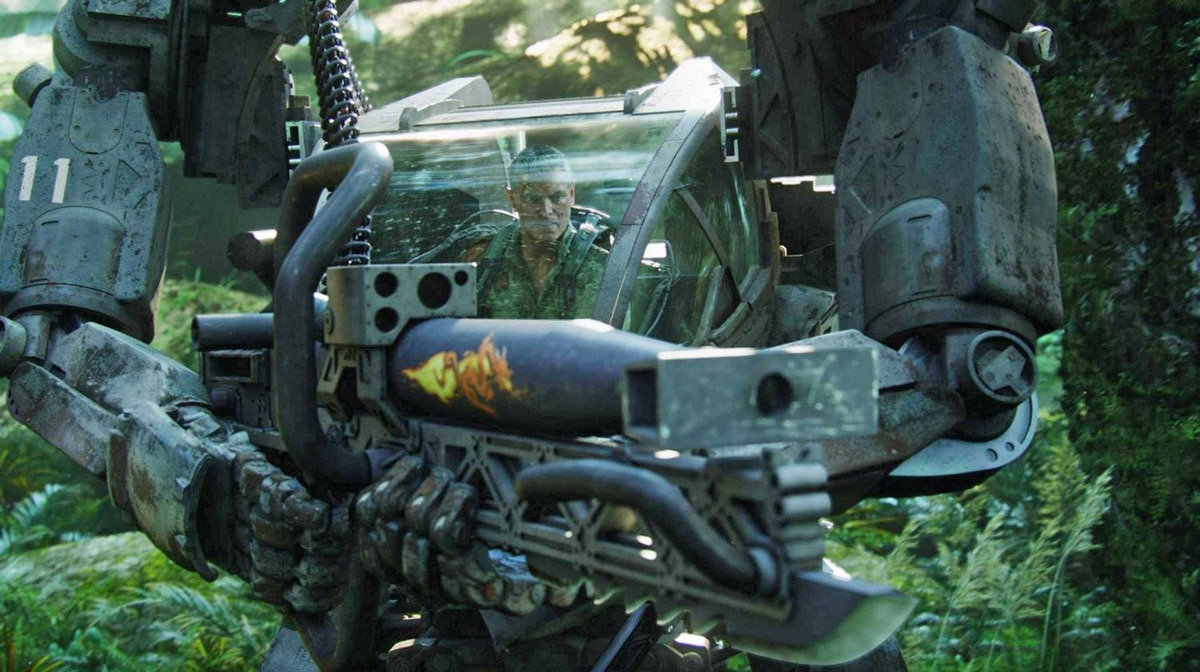Col. Quaritch (Stephen Lang) drives the AMP Suit in Avatar.