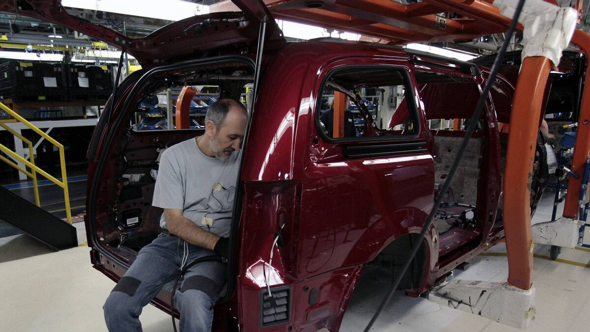 Hundreds of thousands of Canadian manufacturing jobs have been lost over the past few years of the loonie's rise, and the auto industry has been hit especially hard.
