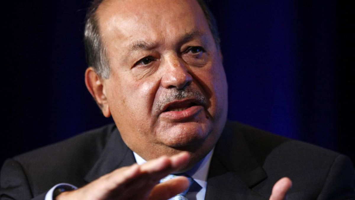 """Carlos Slim Helu participates in the Wall St. Journal CEO Council on """"Rebuilding Global Prosperity"""" in Washington November 16, 2009."""