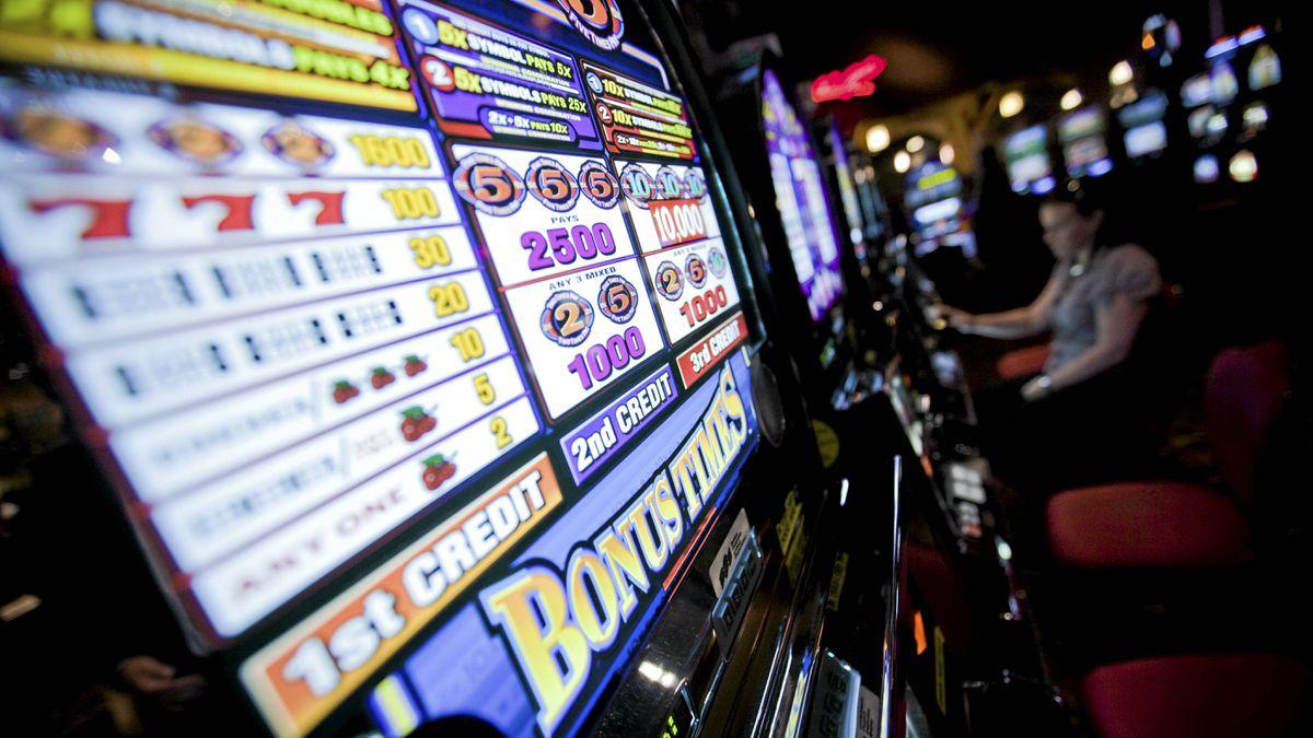 Slot machines at the River Rock Casino in Richmond, B.C. June 11, 2009. John Lehmann/Globe and Mail