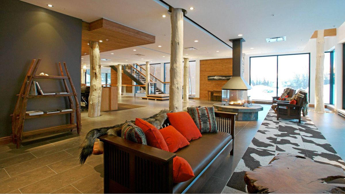 Hôtel-Musée Premières Nations is a four-star, sleek boutique lodging 15 minutes from the heart of Quebec City.