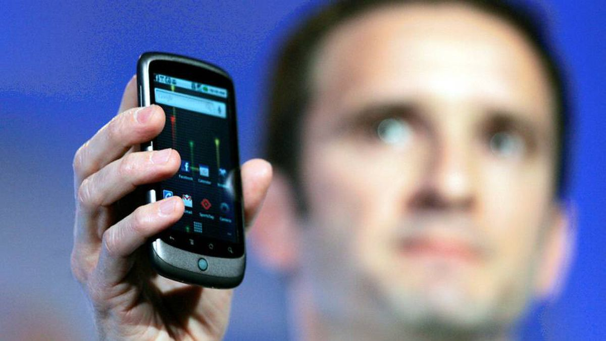 Mario Queiroz, vice-president of Product Management for Google, displays Google's Nexus One smart phone during the unveiling at Google's headquarters on Jan. 5.